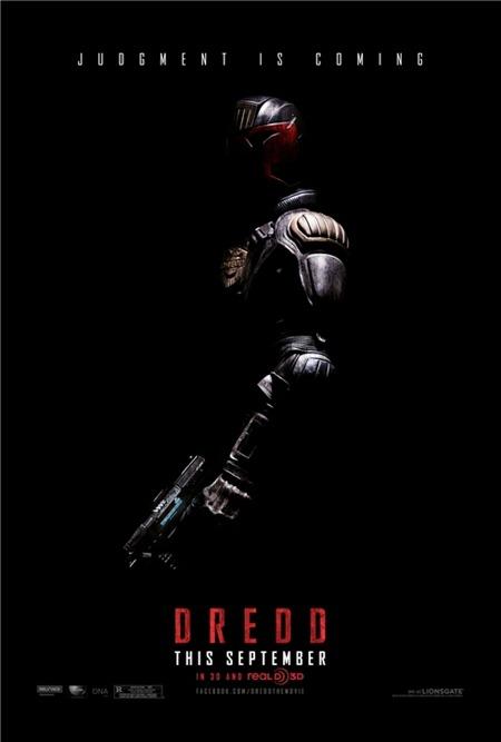 001_dredd_poster